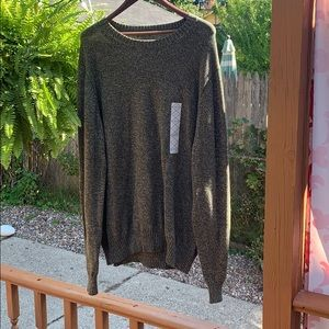 JCPenney's St. johns bay men green sweater new